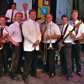 Steve King and the Dittilies at the Mill Pond August 302015